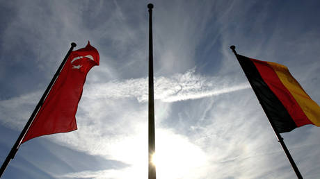 Επικοινωνία Ερντογάν – Σταϊνμάιερ για τις σχέσεις των δύο χωρών