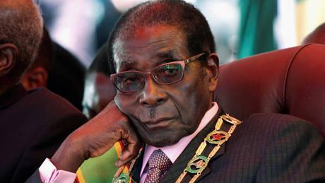 Ζιμπάμπουε: Πρώτη δημόσια εμφάνιση του Μουγκάμπε μετά το πραξικόπημα