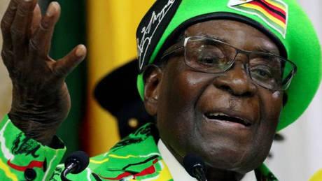Ζιμπάμπουε: Σε κατ'οίκον περιορισμό ο Μουγκάμπε – Κρίσιμη η κατάσταση στη χώρα