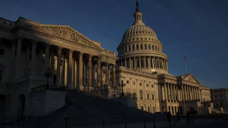 ΗΠΑ: «Πράκτορας» του εξωτερικού χαρακτηρίστηκε το RT κι έχασε τη διαπίστευσή του για το Κογκρέσο