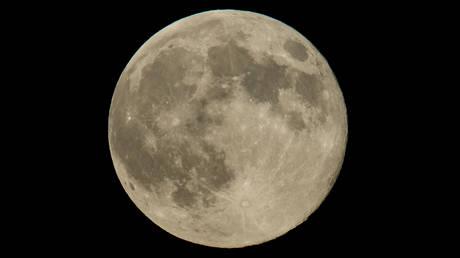Η μεγαλύτερη Σελήνη του έτους ορατή στην πανσέληνο της Κυριακής