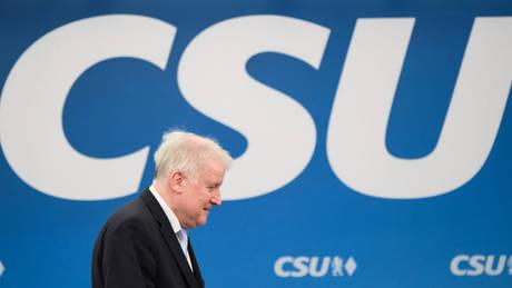 Η νεολαία του CSU ζητά την απομάκρυνση Ζεεχόφερ και νέο αίμα στο κόμμα