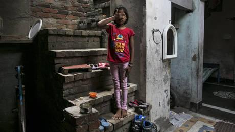 Ισόβια σε δύο άνδρες στην Ινδία που βίασαν την 10χρονη ανιψιά τους και έμεινε έγκυος