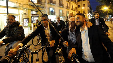 Ιταλία: Μικρό προβάδισμα του κεντροδεξιού υποψήφιου στις περιφερειακές εκλογές της Σικελίας