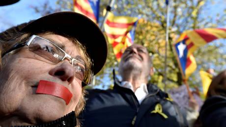 Καταλανική κρίση: Προκαλεί τριβές στο εσωτερικό των Φιλελεύθερων