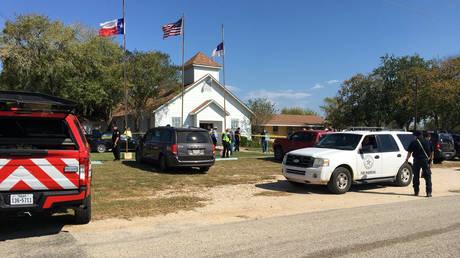 Μακελειό σε εκκλησία στο Τέξας – Δεκάδες νεκροί και τραυματίες από πυρά ενόπλου