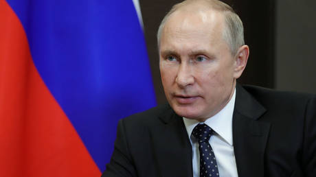 Ο Πούτιν υπέγραψε νόμο για να καταχωρίζονται μέσα ενημέρωσης ως «πράκτορες του εξωτερικού»