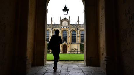 Πανεπιστήμιο Οξφόρδης: Σε άδεια ο Ταρίκ Ραμαντάν, εν μέσω σκανδάλου σεξουαλικών κακοποιήσεων