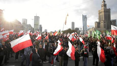 Πολωνία: Χιλιάδες εθνικιστές στους δρόμους της Βαρσοβίας για την Ημέρα της Ανεξαρτησίας (pics)