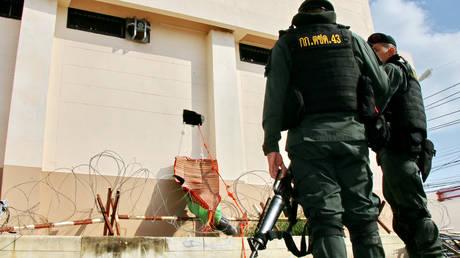 Ταϊλάνδη: Κινέζοι Ουιγούροι δραπέτευσαν σκάβοντας μια τρύπα στον τοίχο του κελιού τους (pics)