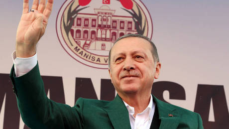 Τουρκία: Οι off-shore βάζουν φωτιά στην πολιτική σκηνή