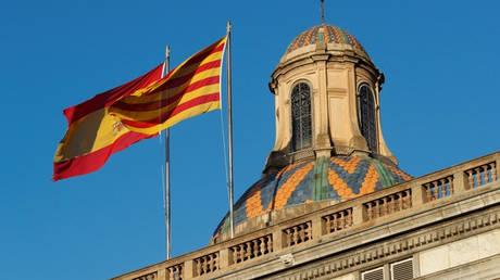 Το Ανώτατο Δικαστήριο της Ισπανίας κλήτευσε τον Πουτζντεμόν να καταθέσει την Πέμπτη