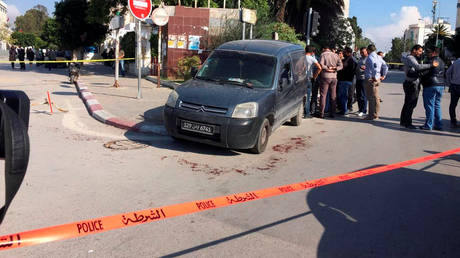 Τυνησία: Αστυνομικός υπέκυψε στα τραύματά του από την χθεσινή επίθεση κοντά στο κοινοβούλιο