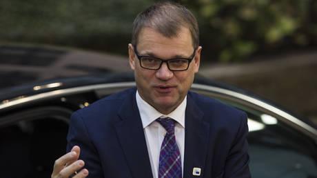 Φινλανδία: Υφυπουργός κρύφτηκε σε πορτ-μπαγκάζ για να συναντήσει κρυφά τον πρωθυπουργό (pic)