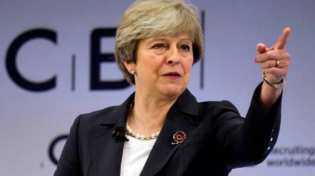 Brexit: Μεταβατική συμφωνία με την ΕΕ επιδιώκει η Μέι