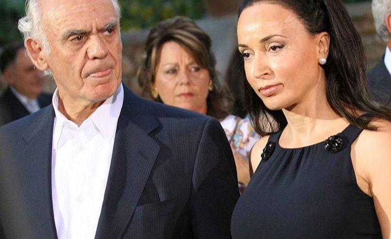 Η Βίκυ Σταμάτη ζητάει διαζύγιο από τον Άκη Τσοχατζόπουλο!