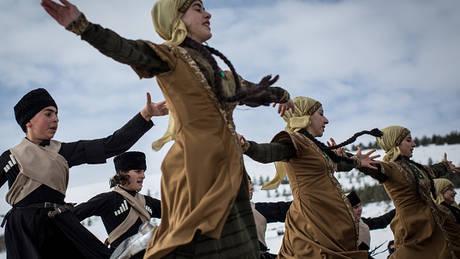 Άσυλο ζήτησαν 11 Τούρκοι χορευτές που συμμετείχαν σε διεθνές φεστιβάλ στη Βουδαπέστη
