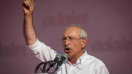 Έρευνα σε βάρος του Κεμάλ Κιλιτσντάρογλου για «εξύβριση του προέδρου» Ερντογάν