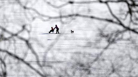 Έφηβοι ήρωες έσωσαν τη ζωή 44χρονου που έπεσε σε παγωμένη λίμνη