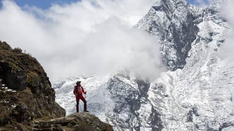 Απαγορεύονται οι μοναχικοί ορειβάτες στο Έβερεστ