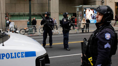 Αυτοκίνητο έπεσε πάνω σε πεζούς στη Νέα Υόρκη – Ένας νεκρός και τρεις τραυματίες