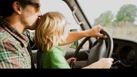 Γυναίκα συνελήφθη μεθυσμένη και να οδηγεί ο 7χρονος γιος της