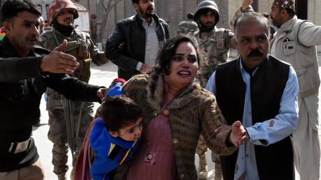 Επίθεση καμικάζι αυτοκτονίας σε χριστιανική εκκλησία στο Πακιστάν (pics)