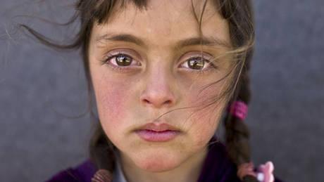 Η ήσυχη μελαγχολία ενός προσφυγόπουλου: Η φωτογραφία που βράβευσε η UNICEF