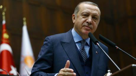 Η κατάθεση που «καίει» τον Ερντογάν για την παραβίαση του εμπάργκο σε βάρος του Ιράν