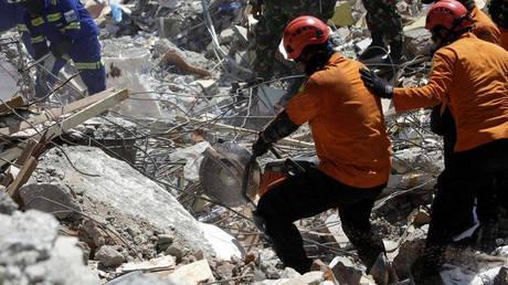 Ινδονησία: Ένας νεκρός μετά από σεισμική δόνηση 6,5 Ρίχτερ