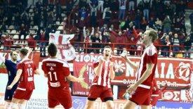 Μεγάλο βήμα πρόκρισης για Ολυμπιακό που νίκησε 3-0 την Τουρ
