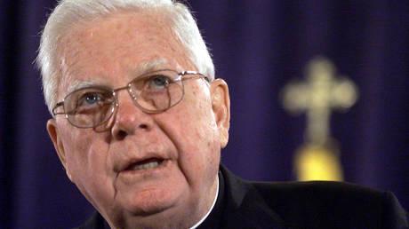 Μπέρναρντ Λο: Πέθανε ο πρώην αρχιεπίσκοπος που ενεπλάκη σε σκάνδαλο το 2002