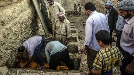 Ομαδικοί τάφοι ανακαλύφθηκαν σε περιοχή των Γιαζίντι στο Ιράκ