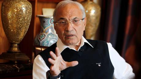 Πρώην Aιγύπτιος πρωθυπουργός απελάθηκε από τα Ηνωμένα Αραβικά Εμιράτα