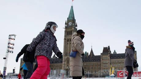 Πόσο κρύο έχει αυτές τις ημέρες σε ΗΠΑ και Καναδά; Η απάντηση μέσα από εικόνες και βίντεο