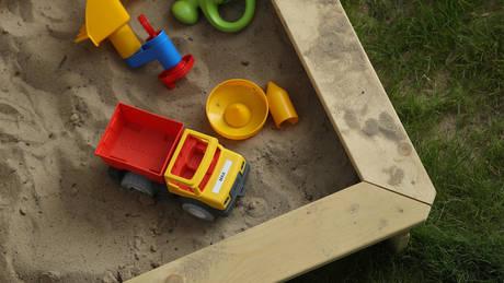 Πότε τα παιχνίδια «μπλοκάρουν» τη δημιουργικότητα και τη χαρά των παιδιών