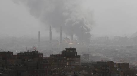 Υεμένη: Οι αντάρτες Χούτι εκτόξευσαν πύραυλο προς τον πυρηνικό σταθμό του Άμπου Ντάμπι