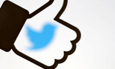Facebook και Twitter απειλούνται με κυρώσεις στη Βρετανία
