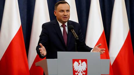 O Πολωνός υπέγραψε δύο νέα νομοσχέδια παρά την προειδοποίηση της Ε.Ε.