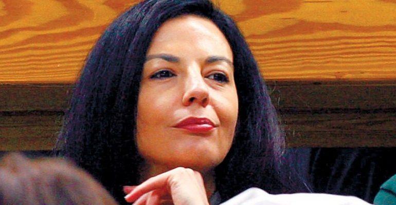 Η σύζυγος Βγενόπουλου πήρε $120 εκατ. «Στα κάγκελα» τα παιδιά του