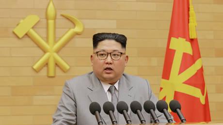 «Το ταμείον είναι μείον»: Αντιμέτωπος με οικονομικά προβλήματα ο Κιμ Γιονγκ Ουν