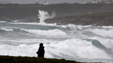 Γαλλία: Σαρώνει η καταιγίδα Eleanor – Χωρίς ρεύμα 200.000 σπίτια
