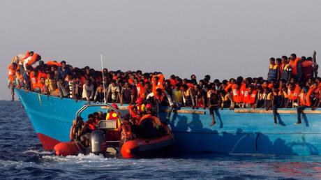Δεκάδες πρόσφυγες πνίγηκαν μετά από πυροβολισμούς διακινητών στις ακτές της Υεμένης