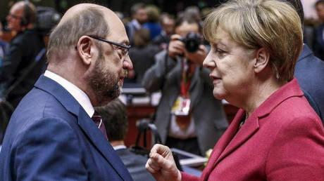 Εντολή διαπραγμάτευσης έλαβαν από τα κόμματά τους Μέρκελ και Σουλτς