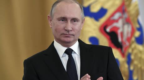 Ευχές του Πούτιν στους Ρώσους: Αλλαγή προς το καλύτερο το 2018