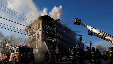 ΗΠΑ: Αυξήθηκαν οι τραυματίες από την πυρκαγιά σε κτίριο στο Μπρονξ (pics)