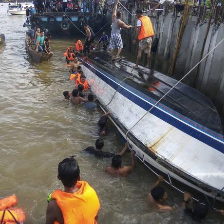 Ινδονησία: Τουλάχιστον οκτώ τα θύματα στο ναυάγιο του ταχύπλοου σκάφους