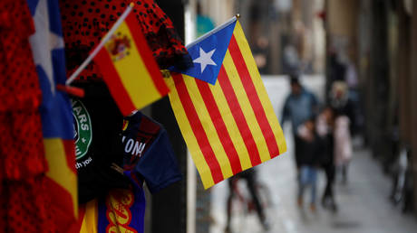 Καταλονία: Φυλακισμένοι ή φυγόδικοι το 25% των εκλεγμένων αυτονομιστών βουλευτών