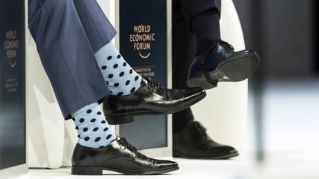 Νταβός: Οι κάλτσες Πρωθυπουργού που άφησαν άφωνους τους πάντες (pics)