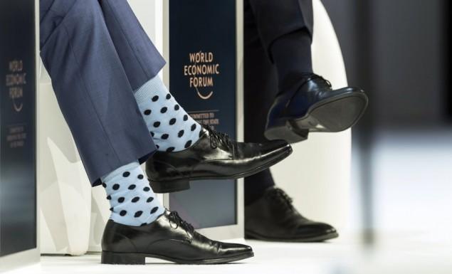 Νταβός: Πρωθυπουργός… τρέλανε τους πάντες με αυτές τις κάλτσες!